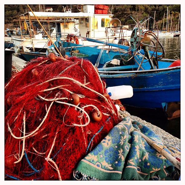 Reti sul molo  #reti #pescatori #webs #cagliari #casteddu #sardegna #sardinia #italy #italia #hipstamatic #picoftheday #instagood #photooftheday #instamood #iphonesia #instaitalia  #igersardegna #igersitalia #poldo_