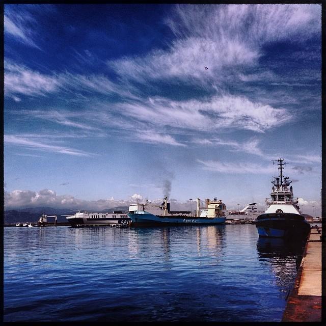 Blue up and blue down.  #sea #harbor #sky #clouds #cagliarifornia #cagliari #casteddu #sardegna #sardinia #italy #italia #hipstamatic #picoftheday #instagood #photooftheday #instamood #iphonesia #instaitalia  #igersardegna #igersitalia #poldo_