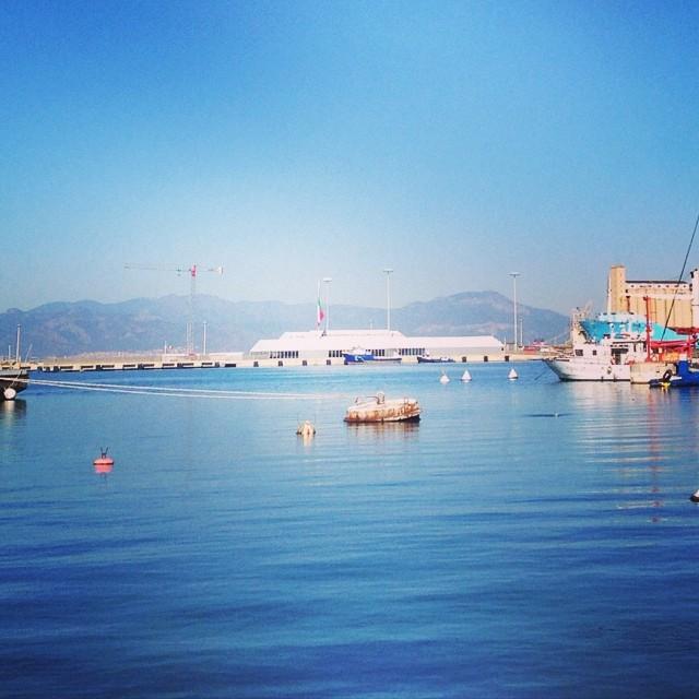 Luna Rossa Prada Team  #lunarossa #prada #harbor #sea #sailing #cagliarifornia #cagliari #casteddu #sardegna #sardinia #italy #italia #hipstamatic #picoftheday #instagood #photooftheday #instamood #iphonesia #instaitalia #igersardegna #igersitalia #poldo_