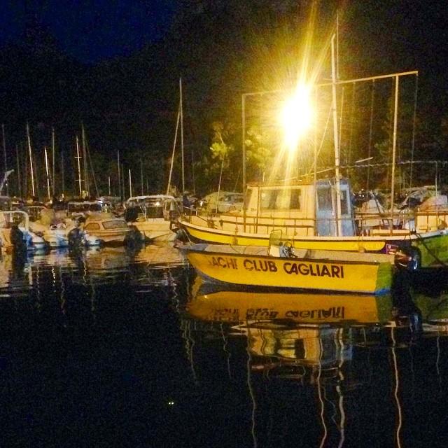 Marina in giallo  #marinapiccola #harbor #porto #poetto #sea #mare #cagliarifornia #cagliari #casteddu #sardegna #sardinia #italy #italia #hipstamatic #picoftheday #instagood #photooftheday #instamood #iphonesia #instaitalia #igersardegna #igersitalia #poldo_