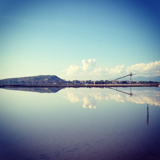 Oggi alle saline effetto specchio</p><br /> <p>#poetto #saline #molentargius #saltfield sky #clouds #cagliarifornia #cagliari #casteddu #sardegna #sardinia #italy #italia #hipstamatic #picoftheday #instagood #photooftheday #instamood #iphonesia #instaitalia #igersardegna #igersitalia #poldo_